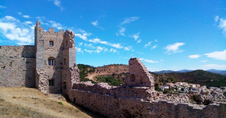 Château de Hyères en haut de la colline de Castéou, var
