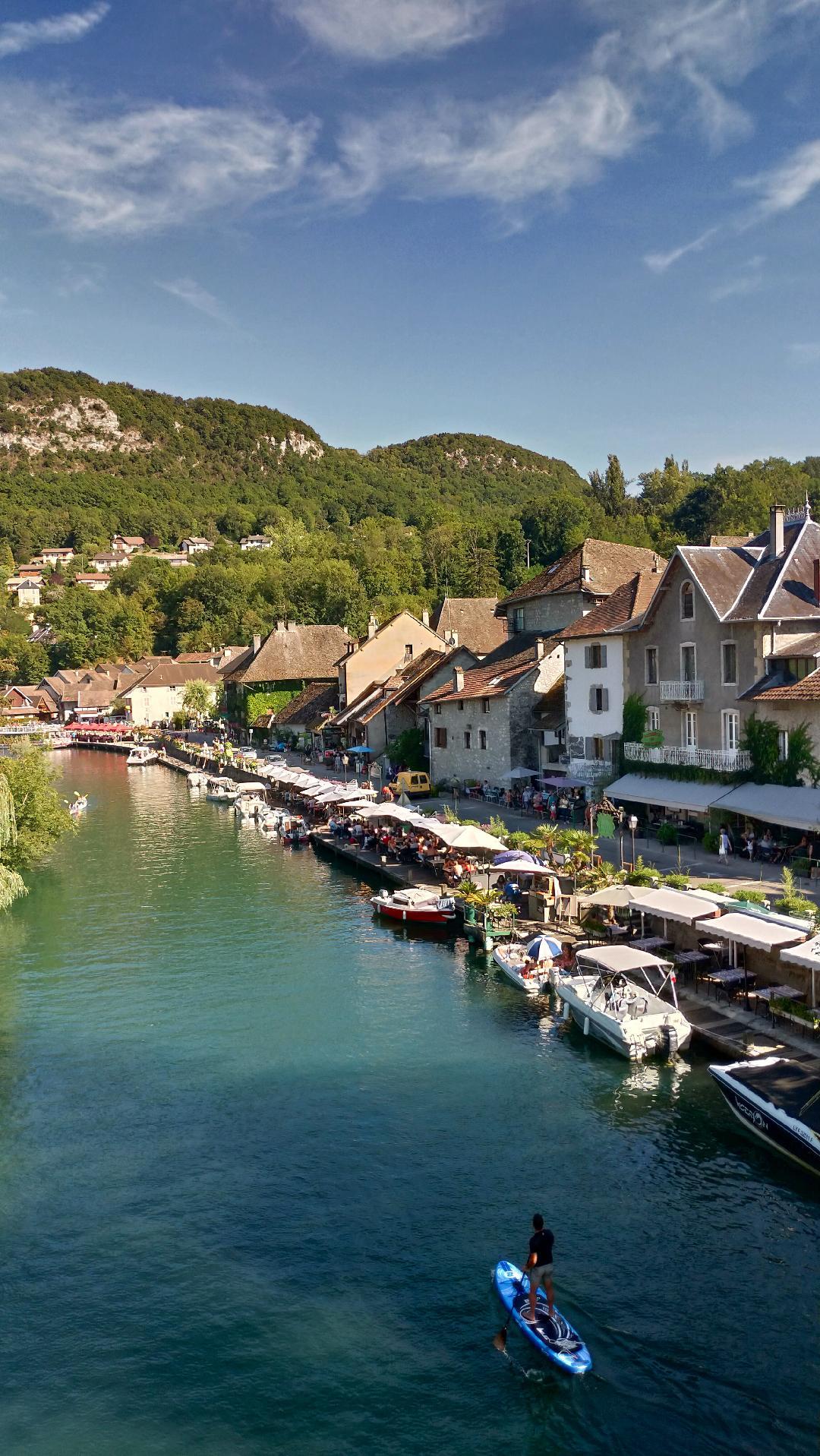 Village de Canaz surnommé la petite venise de savoie près du lac du Bourget